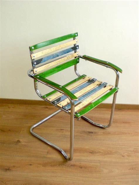 stuhl aus 2 brettern upcycling design wettbewerb brett schwinger stuhl