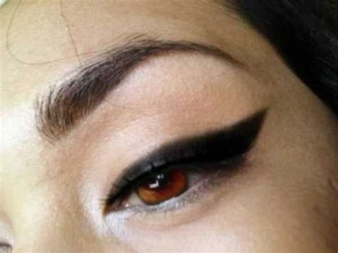 detailed tutorial cat eyeliner video how to detailed tutorial cat eyeliner using black