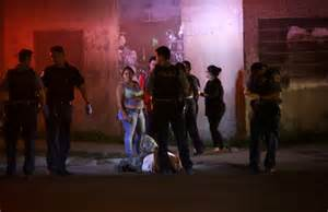 s day weekend killing of 3 to dozens hurt in chicago july 4 weekend daily mail