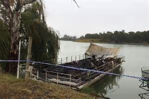 houseboat fire houseboat gutted in early morning blaze at renmark in sa