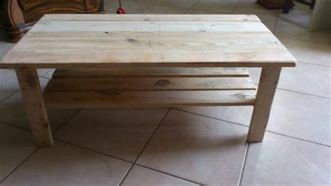 Diy Rustic Coffee Table Diy Pallet Rustic Coffee Table 99 Pallets