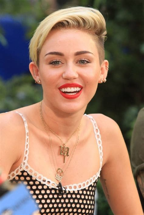 top 9 miley cyrus hairstyles styles at life miley cyrus short side part miley cyrus looks stylebistro