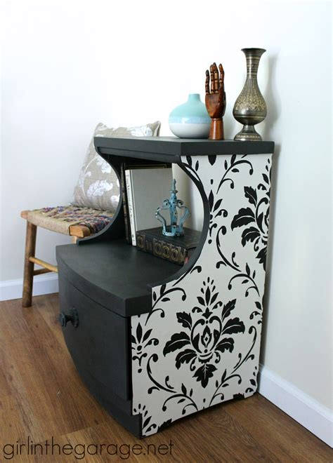 Decoupage Paint - wallpaper and chalk paint table makeover in the garage 174