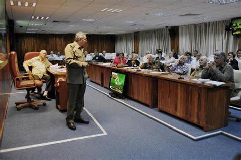 riunione consiglio dei ministri il generale d esercito ra 250 l castro nella riunione
