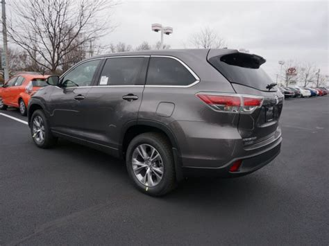 Toyota Highlander Le Plus 248 New Cars Trucks Suvs In Stock Indianapolis Andy