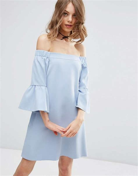 Dres Offshoulder 20 the shoulder dresses your wardrobe needs the fuss