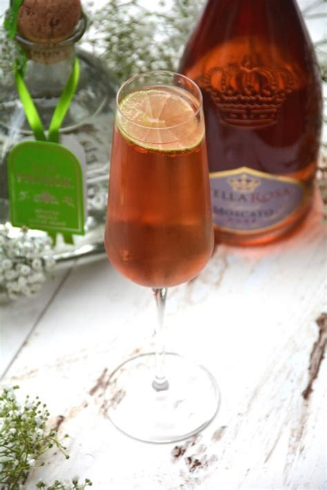 wedding cocktail recipes stella rosa moscato drinkwire