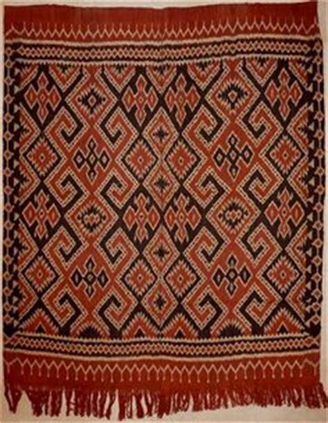 Tenun Ikat Blangket Toraja 4 tenun ikat on 141 pins