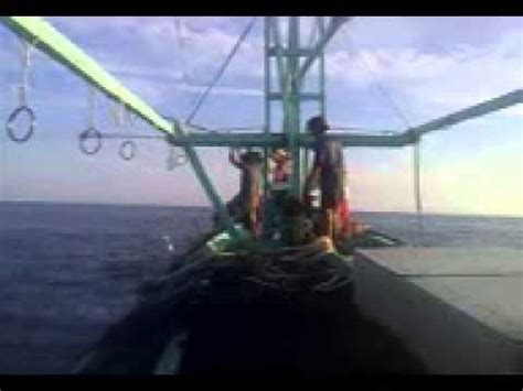 Jaring Ikan Jadi Net Bird 1 1 4 nelayan temukan mortir aktif tersangkut di jaring ikan doovi