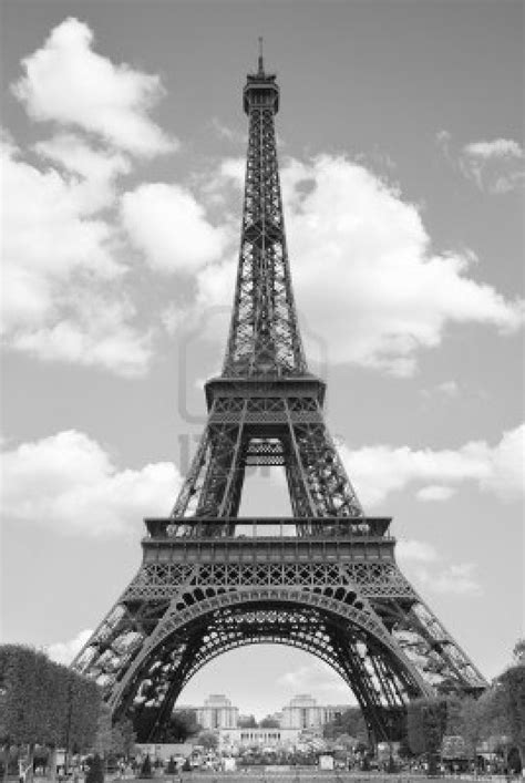 home of the eifell tower paris paris black and white