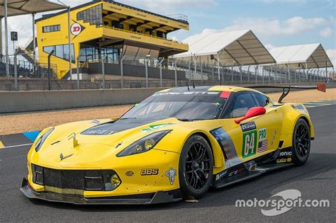 corvette le mans corvette racing at le mans all about preparation