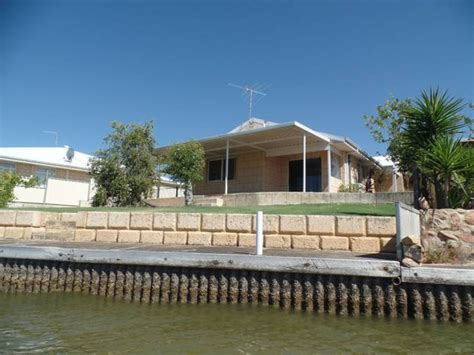 boat r yunderup dolphin view cottage south yunderup western australia