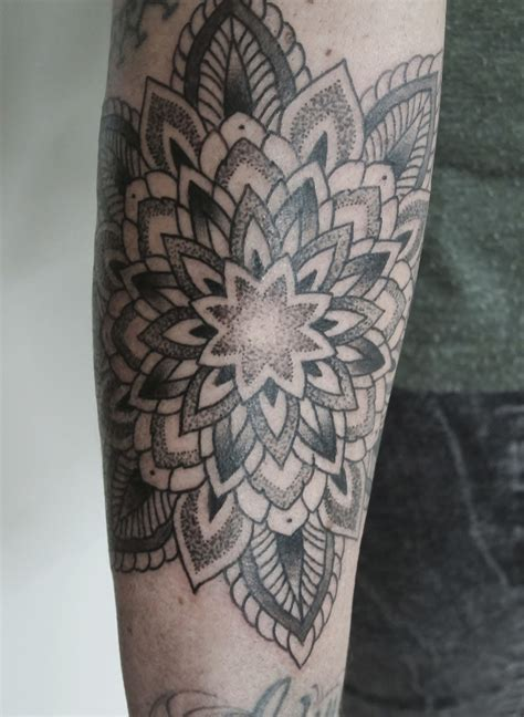 dotwork tattoo dotwork