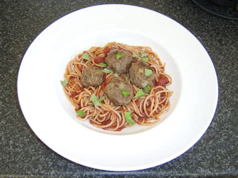 red wine with spaghetti and meatballs red wine with spaghetti and meatballs