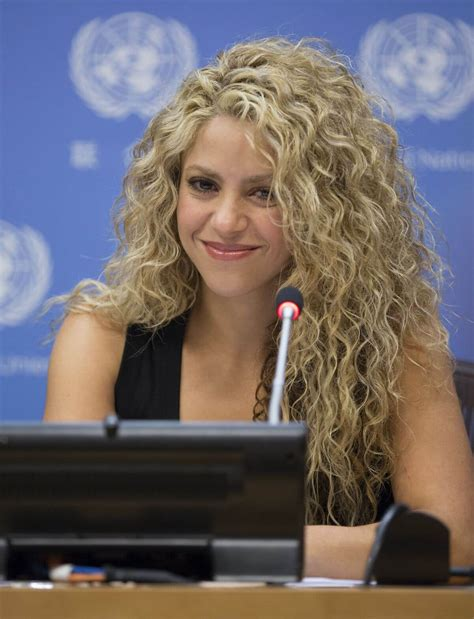 what products does shakira use on her hair curly hair care tips for great looking curls melvin s