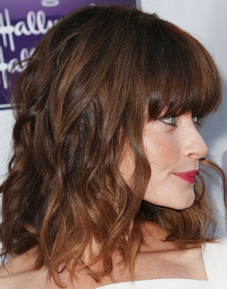 wavy blunt medium more pics of alexis bledel medium wavy cut with bangs