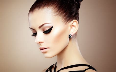 beautiful model hair and make up girl profile makeup fashion model beauty pinterest
