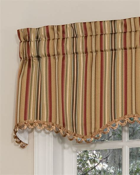 scalloped curtains cathedral scalloped valance pretty windows 174