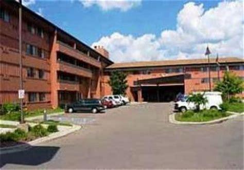 comfort inn farmington comfort inn farmington hills farmington deals see hotel