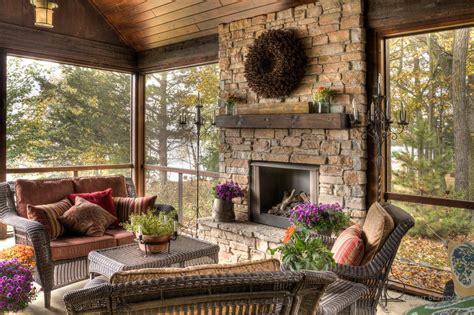 fireplace mantel cover southern living screened porch дизайн веранды загородного дома красивый интерьер на фото