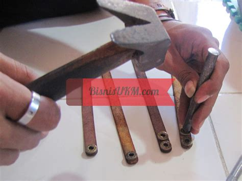 Gelang Kulit Asli Jogja gelang kulit asli jogja tembus pasar mancanegara