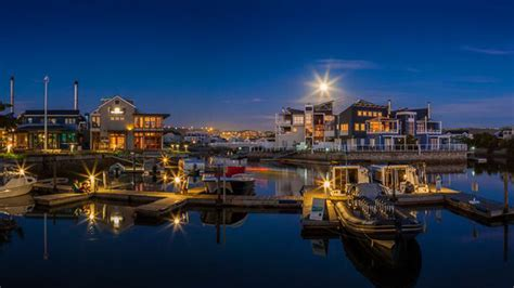 houseboat knysna knysna houseboats in thesen islands knysna
