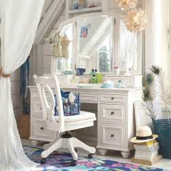 Pbteen Desk Vintage Bedroom On Pinterest