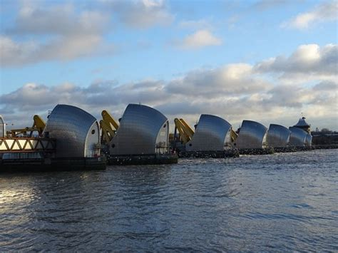 thames barrier trip the thames barrier picture of the thames barrier london