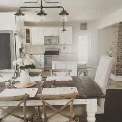 farmhouse dining room in modern homes