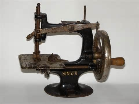 miniature singer sewing machine miniature singer sewing machine singer manufacturing co