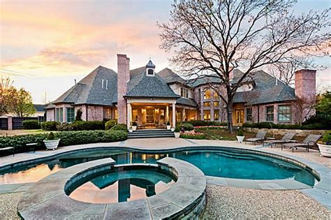 9000 square feet 9 000 square foot home in prestigious preston hollow