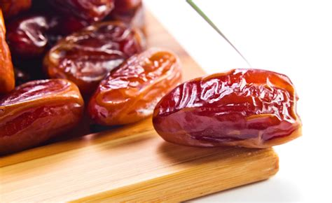 Or Date The Overlooked Benefits Of Dates Naturalhealth365