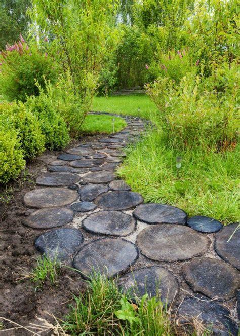 Gartenwege Beispiele