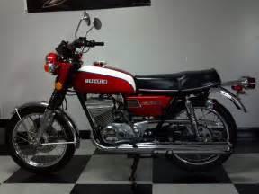 1973 Suzuki Gt250 1973 Suzuki Gt250 Photo Picture Image On Use