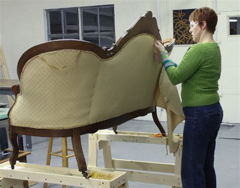 how to recover a settee the reupholstery of beth s antique settee modhomeec