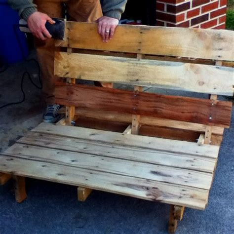 pallet pit pallet seating for a pit gardens patios 640640 pixel upcycling pit