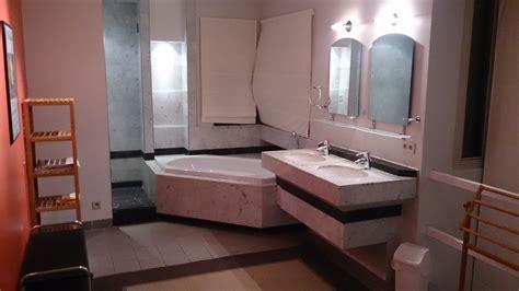 chambre avec bain grande chambre avec salle de bain et dressing pour 2
