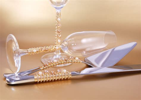 Hochzeitstorte Versetzt by Cake Cutting Set And Chagne Toast Flutes Beaded Swarovski