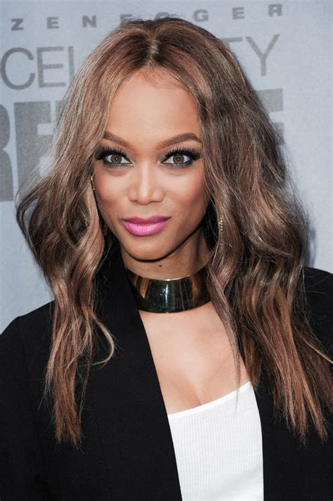 tyra banks tyra banks long wavy cut tyra banks looks stylebistro