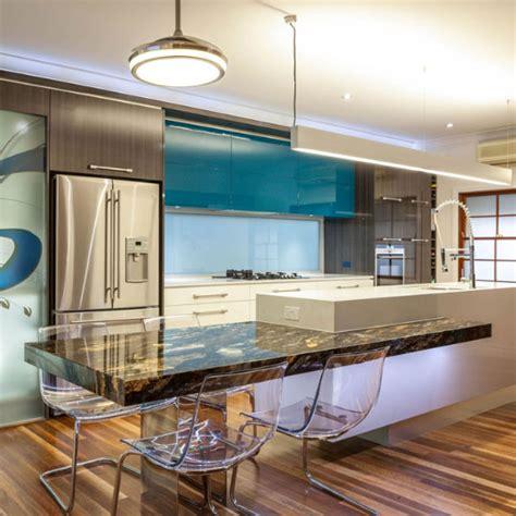 kitchen renovation brisbane with caesarstone benchtops and white macubus quarzite caesarstone kitchen bathroom renovations