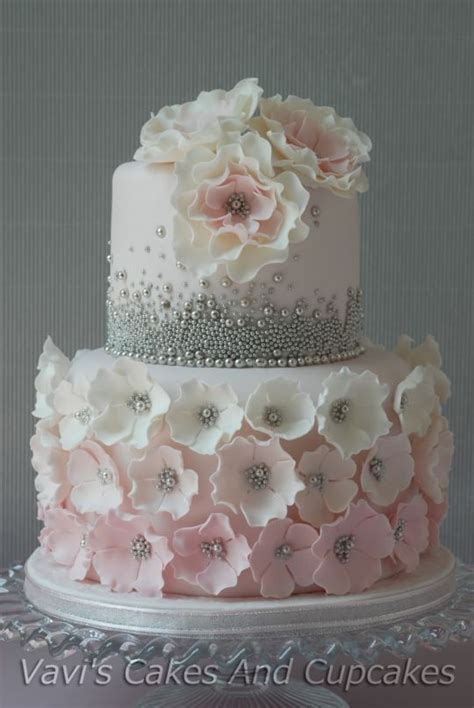 25  best ideas about Birthday cakes women on Pinterest   Diy birthday cake, Www birthday images