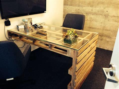 Office Desk Made From Pallets 201 Poustouflante Cette Collection De Bureau R 233 Alis 233 Avec Des