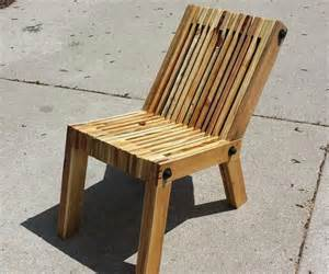 Comfy recycled wooden pallet chair plans recycled pallet