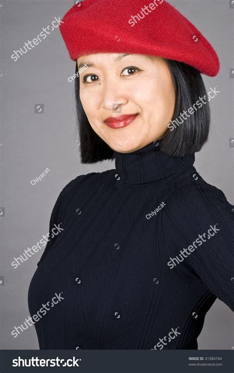 how to wear a beret with bangs berets for women with short hair berets for women with