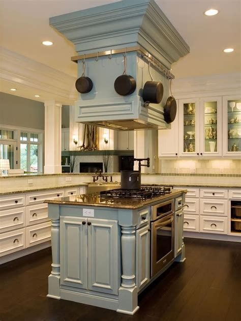 island kitchen hoods 25 best ideas about island range on