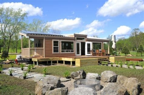 small eco friendly homes tiny eco homes small houses friendly house bestofhouse