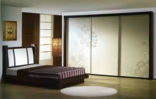 3 Panel Sliding Closet Doors by 20 Decorative Sliding Closet Doors With Inspiring Designs