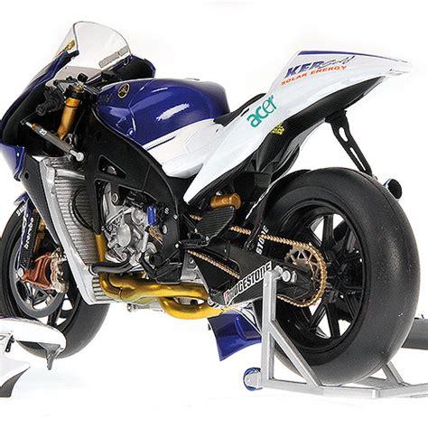 Diecast Miniatur Motogp Valentino 2008 Catalunya Yamaha Yzr M1 minichs 1 12 2008 yamaha yzr m1 fiat yamaha team motogp valentino diecast zone