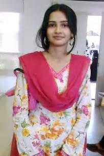 Comfort Spa Blogspot Pakistani Girls Wallpapers 2011