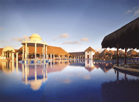 sapphire riviera cancun resort spa travel  bob